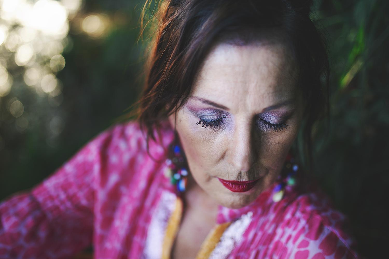 shana carrara racconta storie di donne forti che vogliono sentirsi belle dopo un evento traumatico della vita, vogliono riprendere in mano il loro corpo e guardarsi allo specchio senza paura. abbi cura di te e sii felice