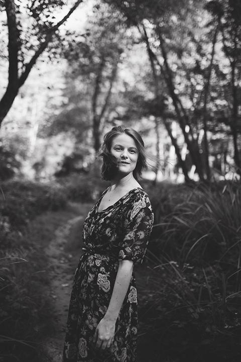 Shana è una fotografa professionista di treviso specializzata in ritratto creativo. aiuta le donne a sentirsi bene con il proprio corpo, accettarci e vedersi belle.